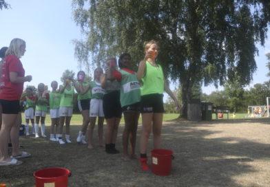 Över 100 tjejer deltog i sommarfotbollsskola