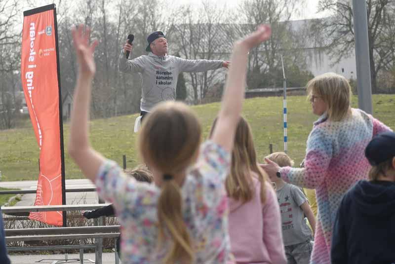 Pidde P får elever i rörelse